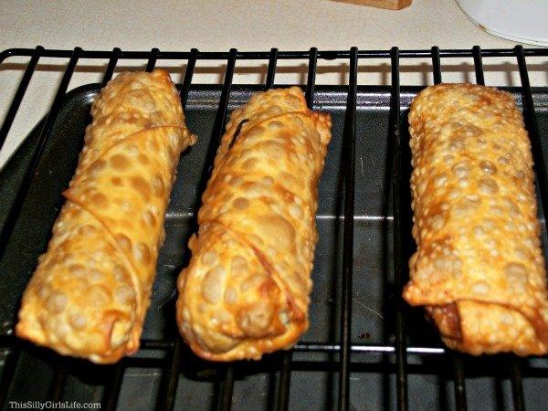 Crock Pot Pulled Pork Egg Rolls