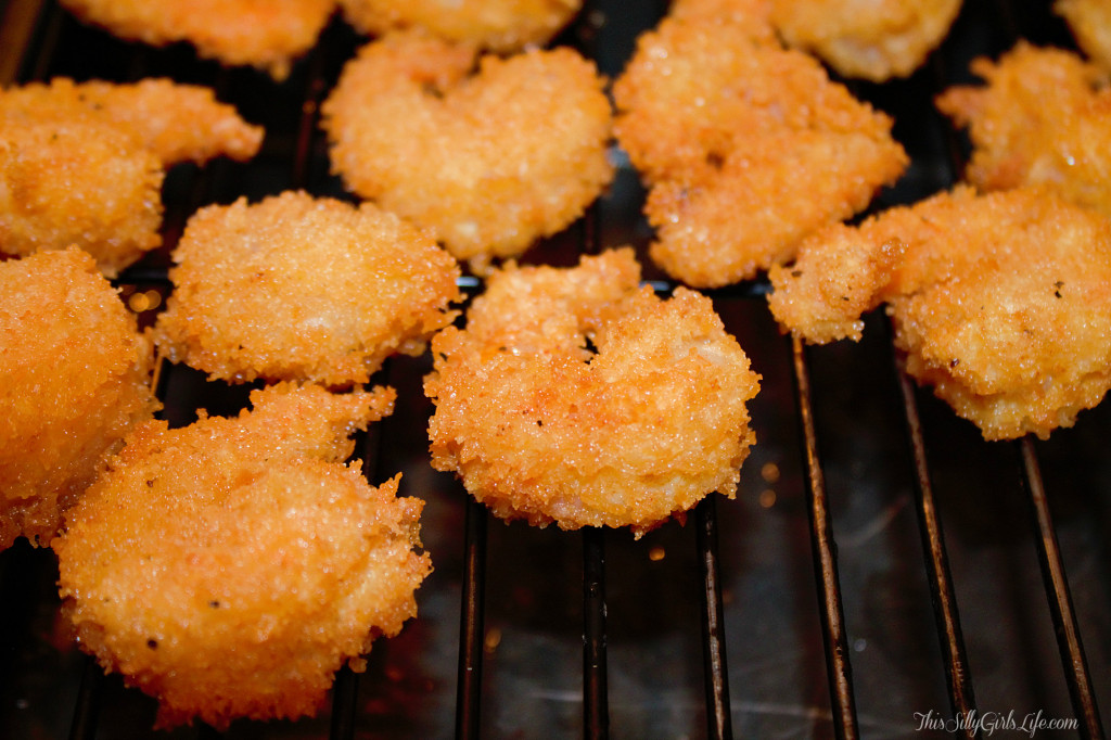 Panko Fried Shrimp with Classic Cocktail Sauce recipe from http://ThisSillyGirlsLife.com #Shrimp #Fried #CocktailSauce