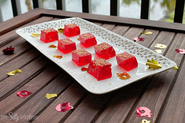 Sparkling Jell-O Shots: Easy Dessert Recipes with #KraftEssentials recipe for Sparkling Jell-O Shots on http://ThisSillyGirlsLife.com #shop #cbias