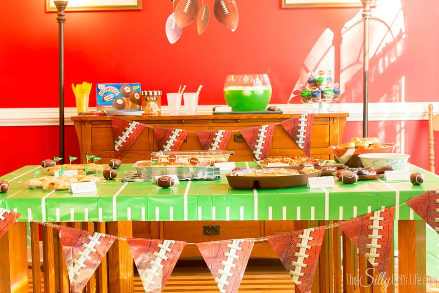 Planning the Ultimate Football Party in 5 easy steps! #GameTimeGoodies #shop #cbias