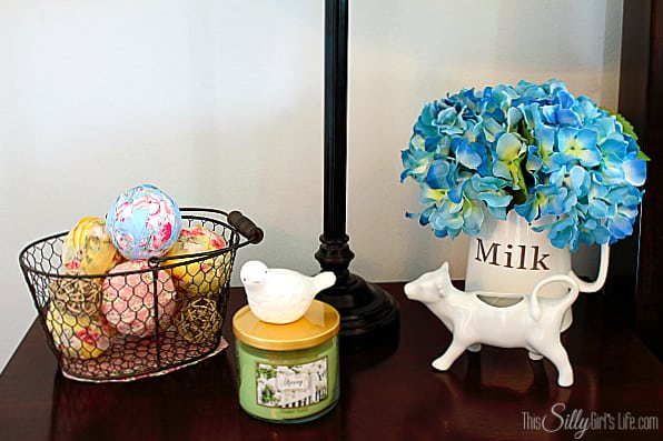 DIY Decorative Fabric Wrapped Balls, so cute, super easy and a great way to decorate for Spring with pastels!