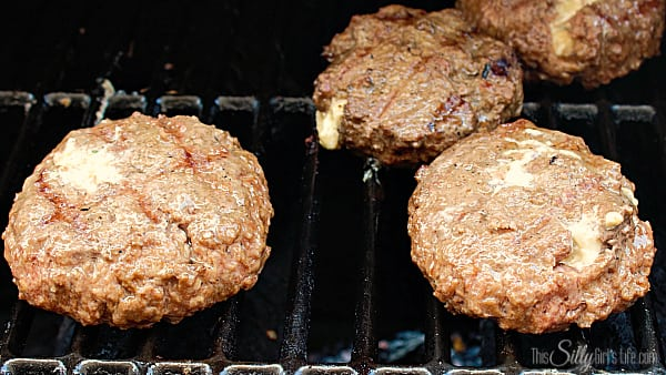 Be extremely carful with burgers, they are extra fragile due to the stuffing. Try your best not to move them too much or they might bust open.