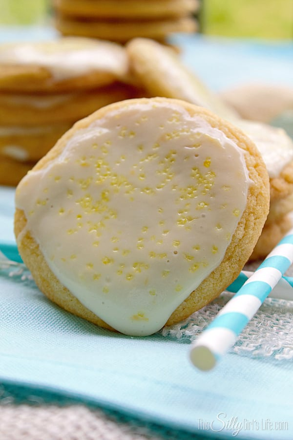 Lemon Cream Glazed Chewy Sugar Cookies, simple chewy sugar cookies coated in a thick lemon cream cheese glaze. Sweet and tart, like the perfect lemonade!