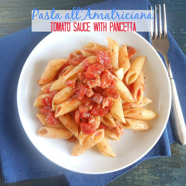 Pasta all'Amatriciana {Tomato Sauce with Pancetta}, fast, easy and classic Italian!