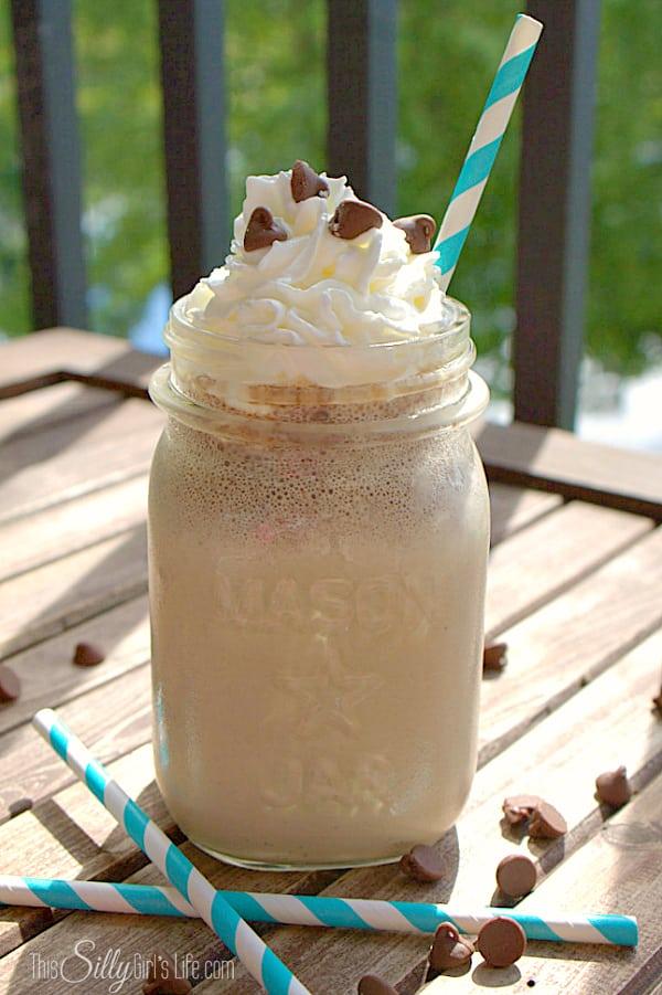 #IcedDelight How to Enjoy Iced Coffee Three Ways this Summer, Mocha Milkshake, Banana Mocha Smoothie and Mocha Float recipes! #ad