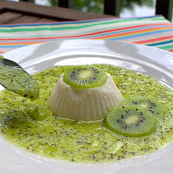 Raspberry Panna Cotta with Fresh Kiwi Sauce, super smooth and silky panna cotta using raspberry kefir and served with gorgeous fresh kiwi! #shop #KefirCreations