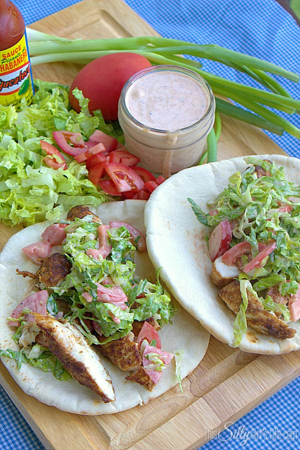 Chicken Pitas with Spicy Garlic Sauce #SauceOn #shop