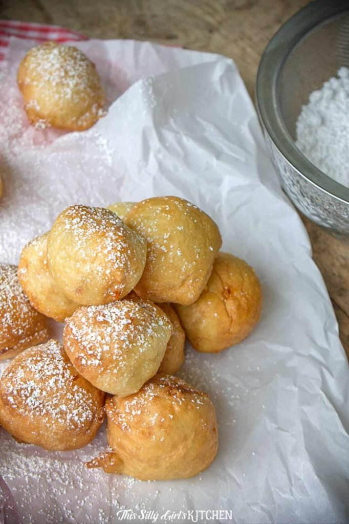 eep Fried Twinkies Bites, the fun fair food in bite size! #recipe from thissillygirlskitchen.com #deepfriedtwinkies #fairfood #funnelcake