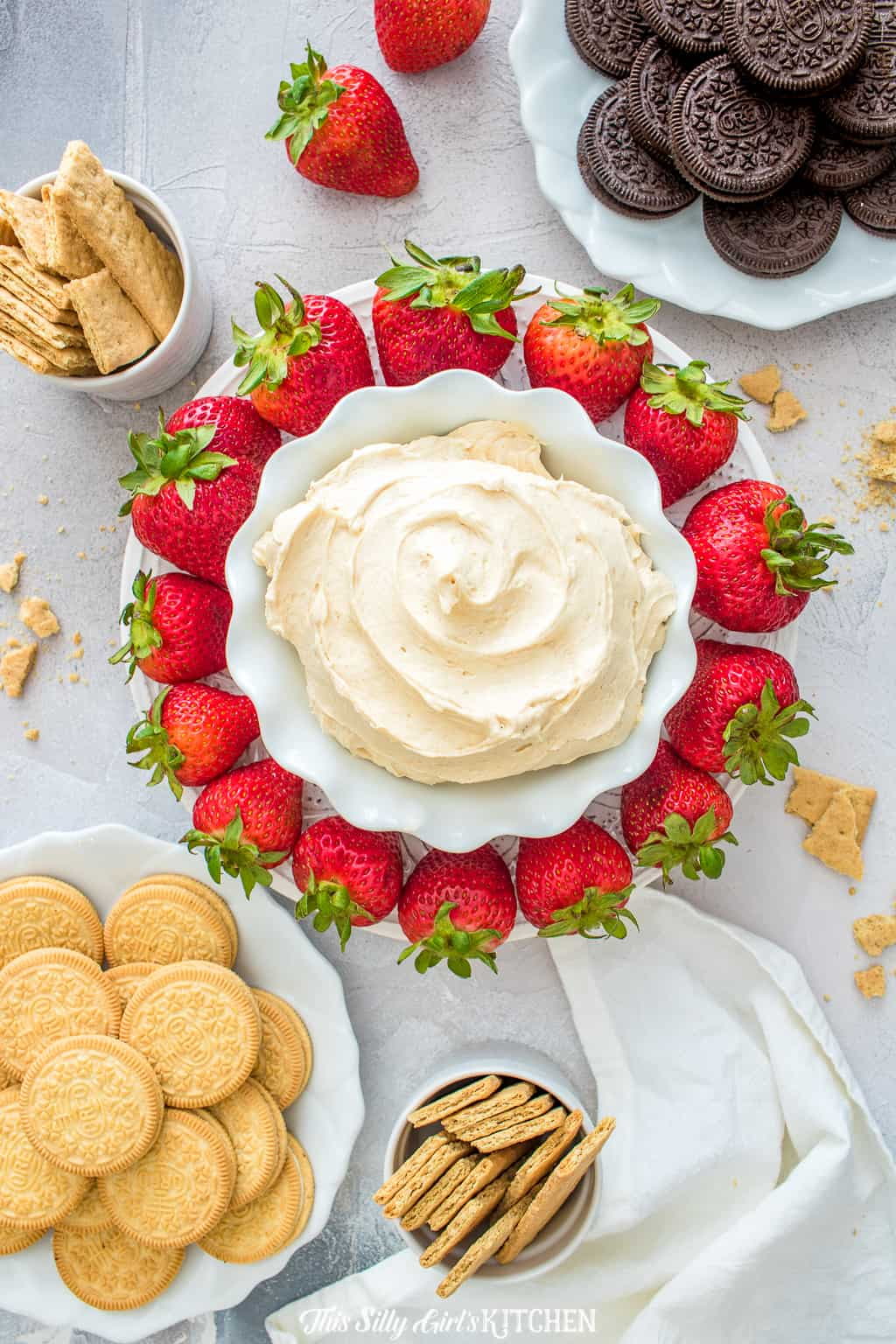 Fluffernutter Dip, the classic sandwich turned into a decadent, creamy dip! #recipe from ThisSillyGirlsKitchen.com #fluffernutter #dip #dessertdip #fruitdip #fluffernutterdip