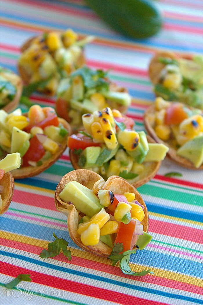 These Roasted Corn and Avocado Salsa Cups are so cute and super fast to make! #FirstDraftEver  #gno - ThisSillyGirlsLife.com #sponsored
