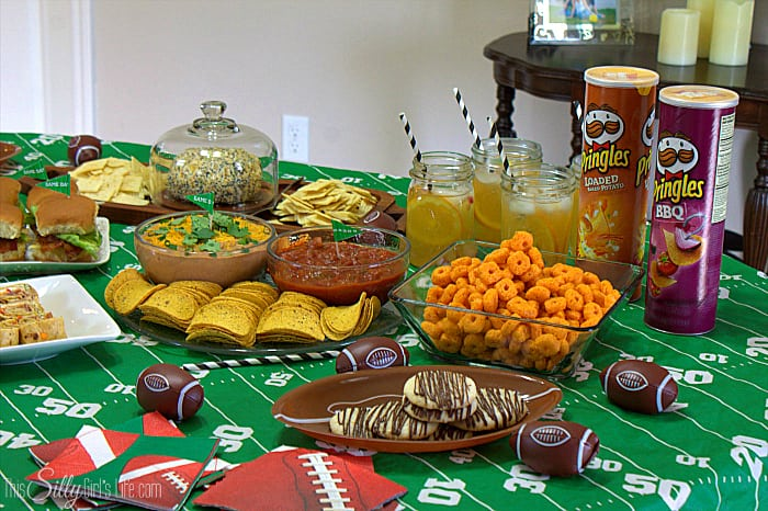 Everything Cheese Ball loaded with bacon, scallions and everything spice mix! Plus tips on planning a smooth football party! - ThisSillyGirlsLife.com #AD #BigGameSnacks