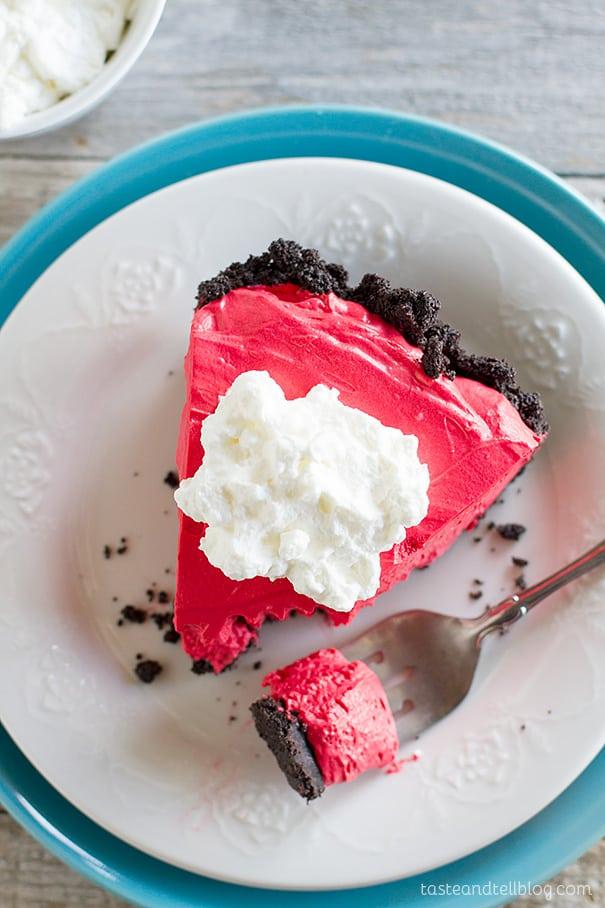 Red-Velvet-No-Bake-Cheesecake-Taste-and-Tell-3