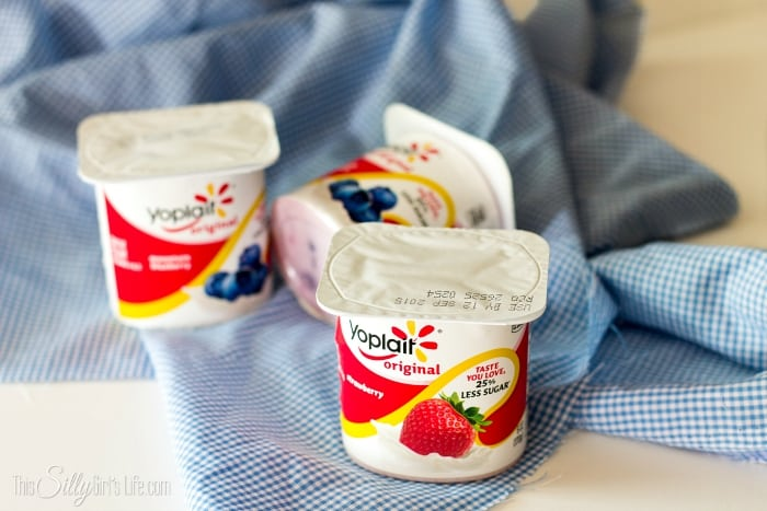 3 Ingredient No Churn Frozen Yogurt, simple, delicious and perfect for getting little ones involved! - ThisSillyGirlsKitchen.com #ad #BTFE