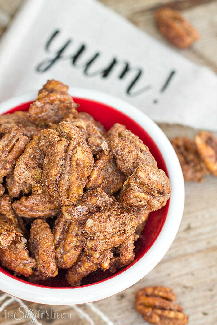 Cinnamon Sugar Roasted Pecans, sweet, crunchy, extremely easy and totally addicting! - ThisSillyGirlsLife.com #cinnamonsugar #candiedpecans #roastedpecans