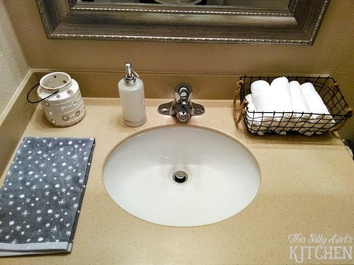 Decor Tips for Your Guest Bathroom During the Holidays from This Silly Girls Kitchen-4