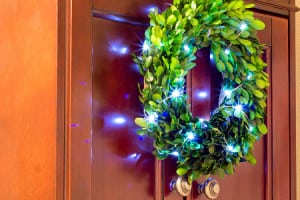 Decor Tips for Your Guest Bathroom During the Holidays