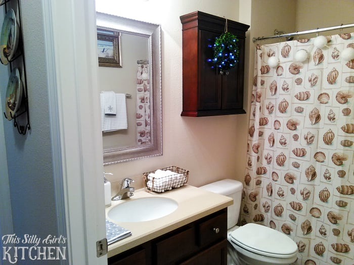 Decor Tips for Your Guest Bathroom During the Holidays from This Silly Girls Kitchen