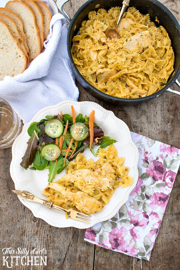 15 Minute One Skillet Chicken Carbonara, an easy weeknight meal solution, ready in 15 minutes!! from ThisSillyGirlsLife.com #tyson #tysonmealkits #ad