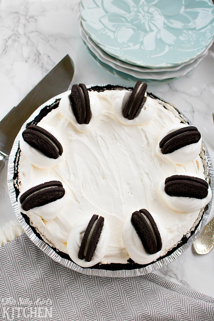No Bake Oreo Bomb Pie, layers of Oreo deliciousness; basically the best thing you have ever tasted... trust me. #recipe from ThisSillyGirlsLife.com #oreo #nobake #oreopie #nobakeoreopie #pie