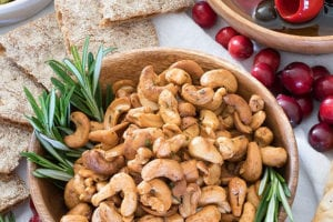 Spicy Rosemary Roasted Cashews