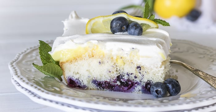 What Fruit Goes Well With Lemon Cake