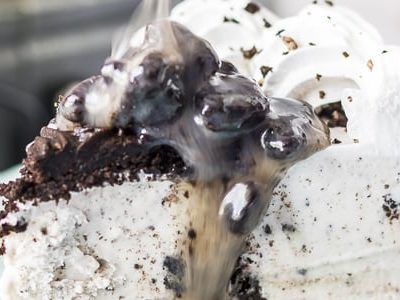 Cookies and Cream Fudge Sauce