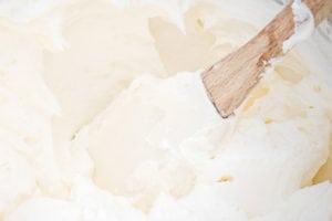 The Best Fluffy Buttercream Frosting