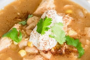 White Chicken Chili (Low Calorie Recipe!)