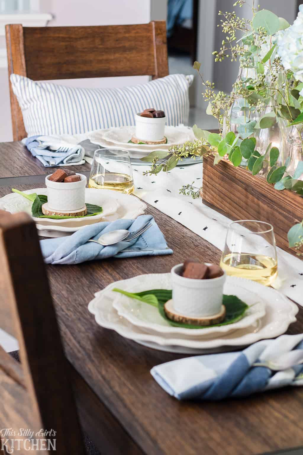 Modern Farmhouse Tablescape, a charming and inviting way to decorate for any party! From ThisSillyGirlsKitchen.com