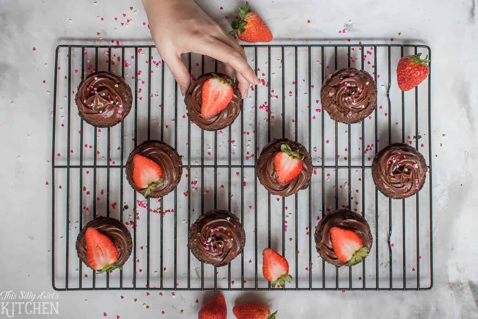 The Best Strawberry Brownie Cups, an easy yet delicious treat for your Valentine! #Recipe from ThisSillyGirlsKitchen.com #brownie #strawberry #chocolate