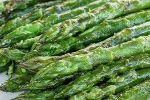 Easy Grilled Asparagus Recipe (Ready in Under 15 Minutes!)