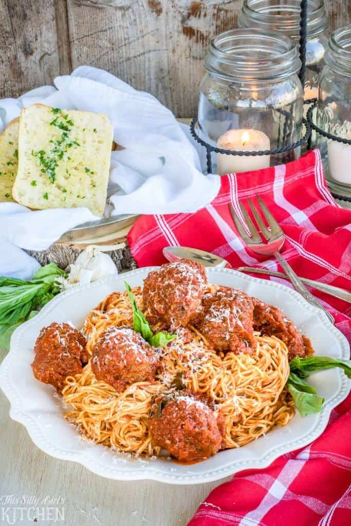 Spaghetti and Meatballs Recipe from ThisSillyGirlsKitchen.com #spaghettisauce #meatballs #Italian #marinara