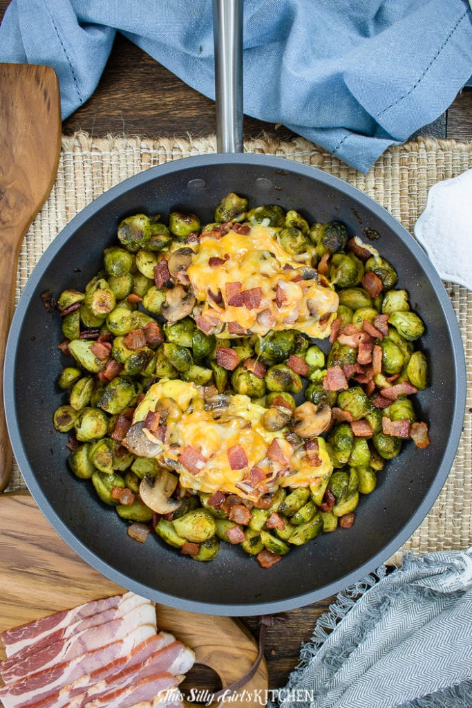 This alice springs chicken is an easy one skillet meal the whole family will love. #recipe from thissillygirlskitchen.com #alicespringschicken #chickenskillet #chicken #dinner #outbacksteakhouse #copycat