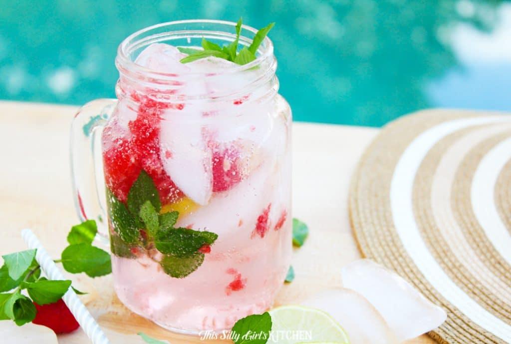 upclose raspberry mojito